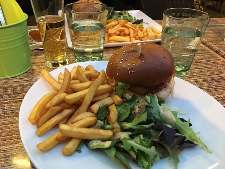 burger-pommes-food-essen-straßburg-strasbourg-frankreich-france